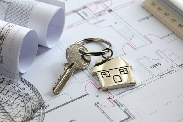 depositphotos_24558271-stock-photo-house-keys